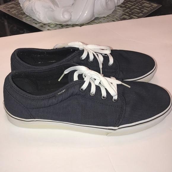 fe72f07a0bf Men s VANS Navy Blue size 11 canvas shoes nice ! M 5b9d4d609fe48681791b39a2